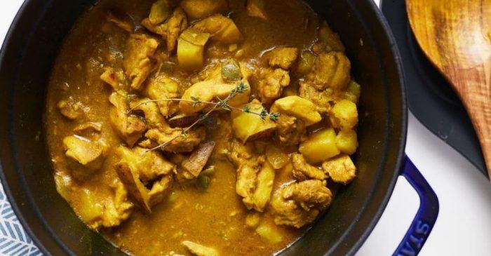 jamaican-curry-chicken-in-blue-pot- (1)
